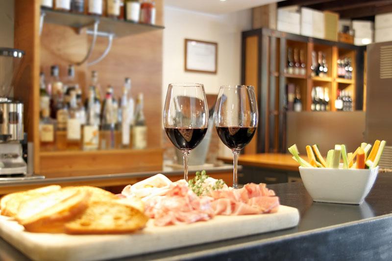 Ristorante bergamo enoteca zanini atmosfera ricercata vini for Enoteca con cucina di pesce milano